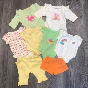 Preemie clothing lot (baby girl)